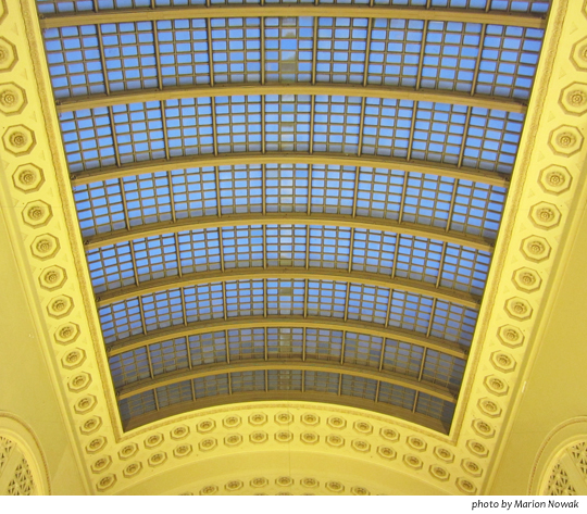 Chicago-Union-Station-Great-Hall-at-dusk